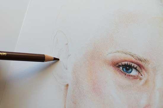 Рисуем реалистичный портрет цветными карандашами - шаг 10