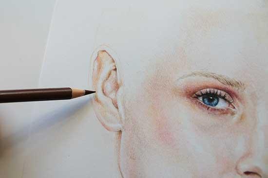 Рисуем реалистичный портрет цветными карандашами - шаг 12