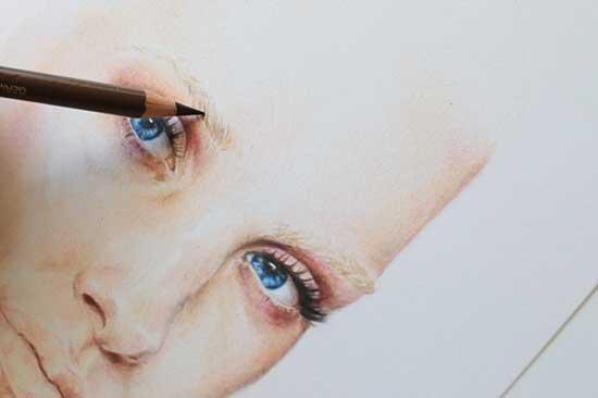 Рисуем реалистичный портрет цветными карандашами - шаг 9