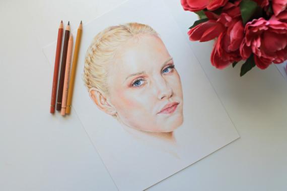 Рисуем реалистичное лицо цветными карандашами